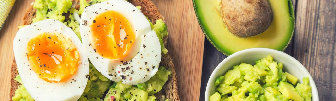 toast with avocado and eggs