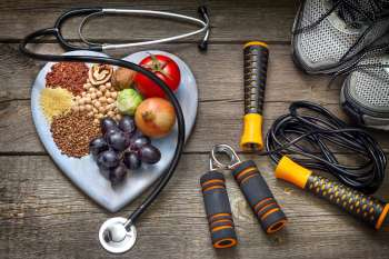 A healthy plate and exercise reduce diabetes risk